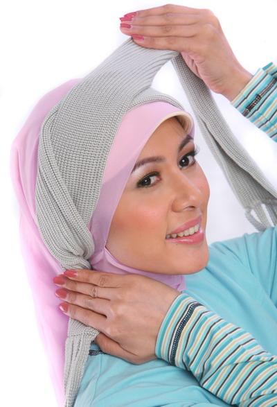 lho lihat yang lain di cara unik pakai jilbab . Selamat Mencoba ya