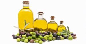 Manfaat Minyak Zaitun Untuk Membersihkan Sisa Kosmetik